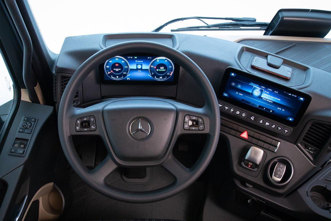 Imagem ilustrativa da notícia: Tecnologia é a aposta da Mercedes-Benz no novo Actros