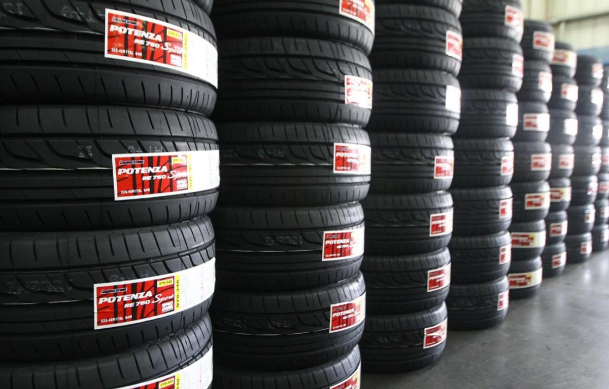 Imagem ilustrativa da notícia: Venda de pneus recua para montadoras e reposição