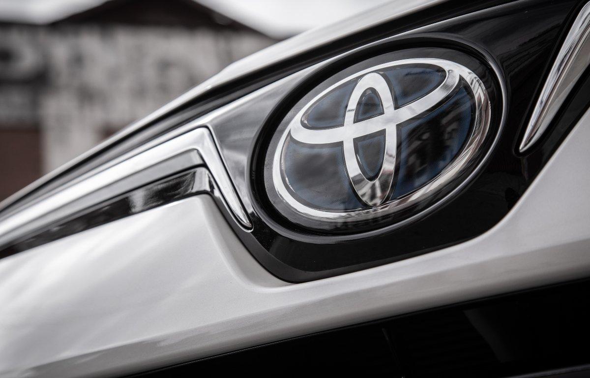 Imagem ilustrativa da notícia: Toyota promete portfólio 100% híbrido até 2025