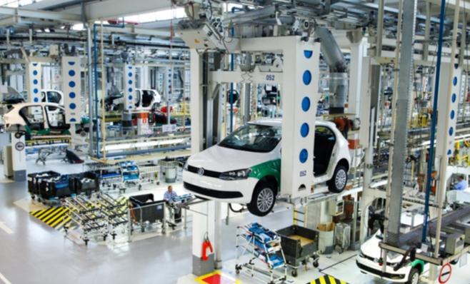 Imagem ilustrativa da notícia: VW supera FCA e busca GM