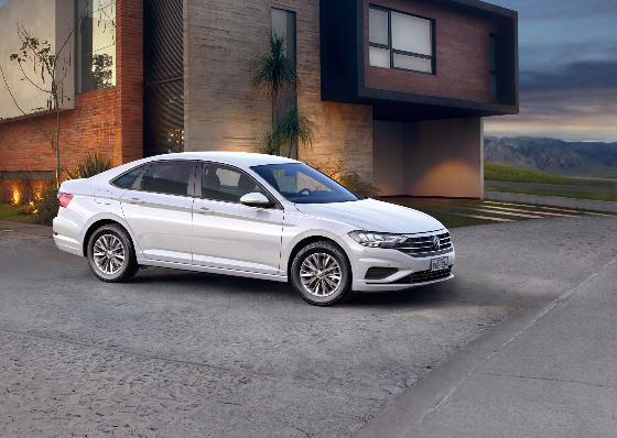 Imagem ilustrativa da notícia: VW lança Jetta de entrada por R$ 100 mil