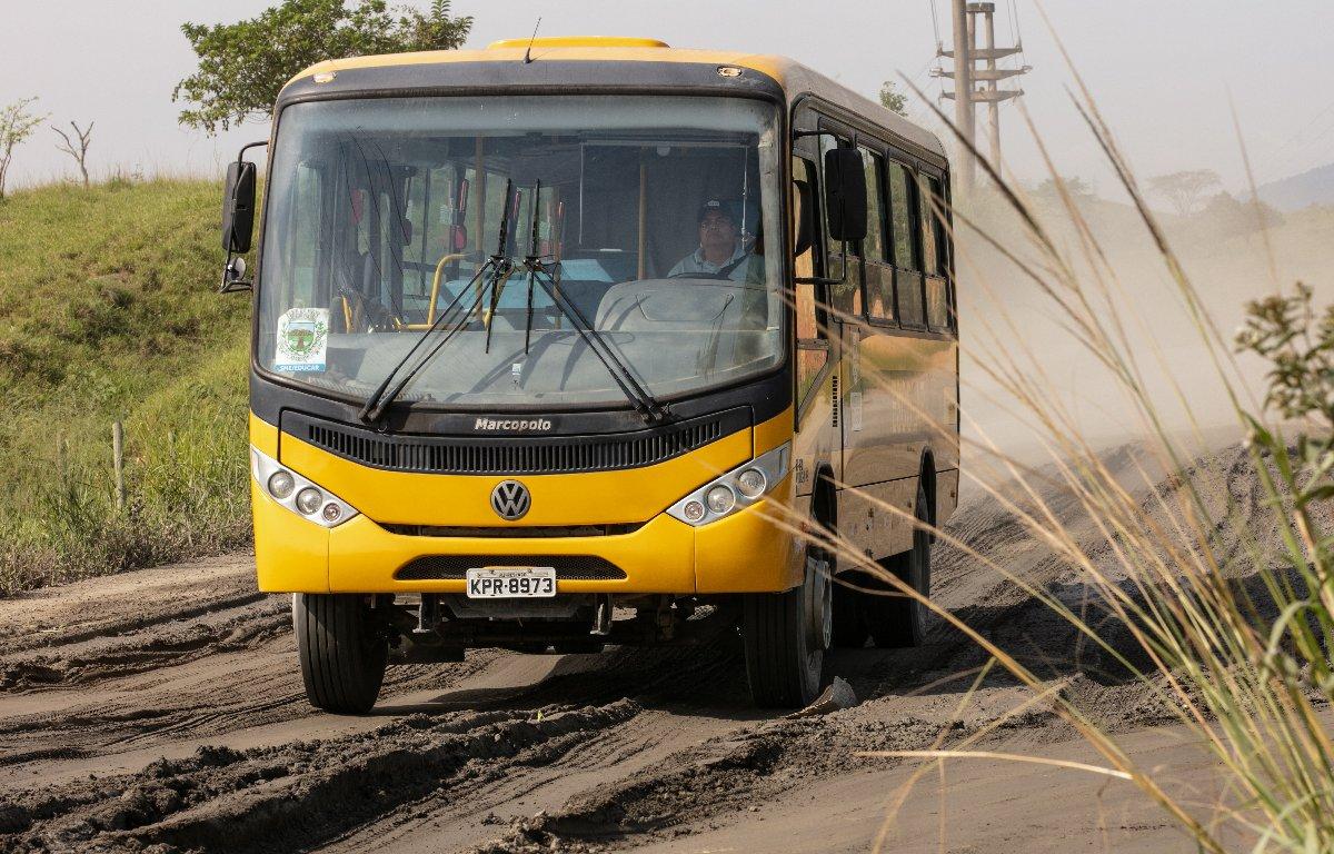Imagem ilustrativa da notícia: VWCO entrega ônibus 20 mil para Caminho da Escola