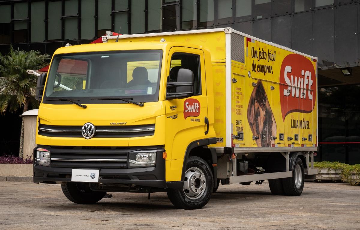 Imagem ilustrativa da notícia: Volkswagen Caminhões transforma Delivery em loja móvel da Swift